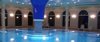 Парк-отель «Марат». Крытый бассейн с гидромассажем